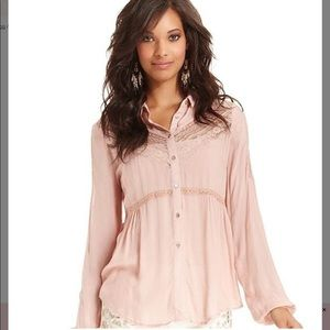 NEW LISTING‼️FREE PEOPLE Blouse